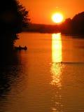 Coucher du soleil sur le fleuve Image stock
