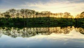 Coucher du soleil sur le lac Images stock