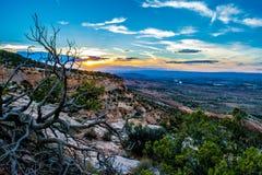 Coucher du soleil sur le monument national du Colorado photographie stock