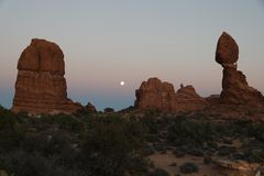 Coucher du soleil sur le parc national de voûtes photos stock