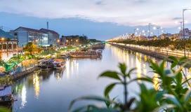 Coucher du soleil sur le pilier Binh Dong Photo stock