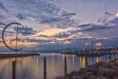 Coucher du soleil sur le port de Lausanne (Ouchy), Suisse - HDR Images stock