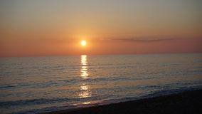 Coucher du soleil sur le Praia De Faro photos stock