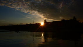 Coucher du soleil sur le rivage de la mer d'Azov Photos stock