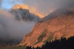 Coucher du soleil sur les Alpes Image libre de droits
