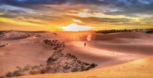 Coucher du soleil sur les dunes de Mui Ne, Binh Thuan Image stock