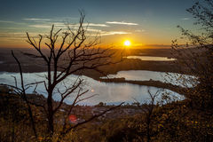 Coucher du soleil sur les lacs Photographie stock