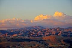 Coucher du soleil sur Mt. Hamilton photo libre de droits