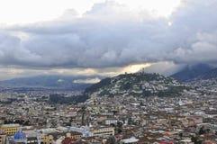 Coucher du soleil sur Quito Photographie stock libre de droits