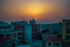 Coucher du soleil sur une ville vide photos libres de droits