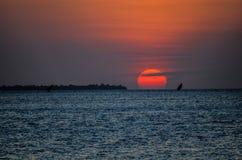 Coucher du soleil Tanzanie photos stock
