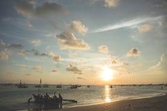 coucher du soleil Thaïlande de phuket d'île de plage tropicale Images stock