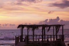 Coucher du soleil tongan - île d'u.c.e. Photographie stock