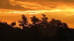 Couchers du soleil et nuage de Panamá City Images libres de droits