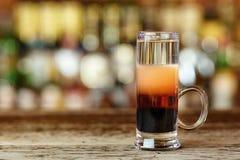 Couches d'alcool colorées par cocktail Image stock