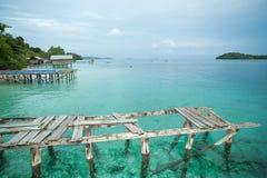 Couchettes dans le village de pêche dans la réservation Raja Ampat, Indones Photographie stock