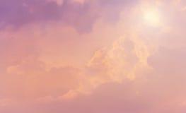 Couds en cielo rosado Fotografía de archivo libre de regalías