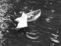 Couldn& de papel x27 del barco; oso de t la lluvia Foto de archivo