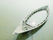 Couler le bateau Photo libre de droits