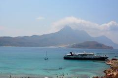 Couleur étonnante de l'eau la mer Méditerranée, belle Crète image libre de droits