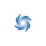 Couleur bleue abstraite d'isolement spining le logo en spirale Logotype de remous Icône de l'eau Signe de vortex Symbole liquide  Image libre de droits