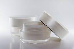 Couleur crème de blanc de récipients d'emballage de beauté Images libres de droits