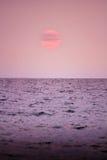 Couleur de coucher du soleil de mer l'atmosphère de l'amour Photos stock