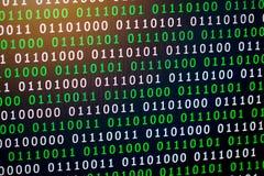 Couleur numérique vert-bleu de code binaire sur le fond noir photographie stock libre de droits