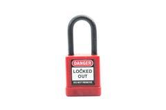 Couleur rouge de cadenas de lock-out sur le fond d'isolement photographie stock