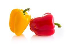 couleur rouge et jaune des poivrons de piment d'isolement sur le backgrou blanc Photographie stock libre de droits