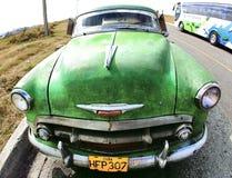 Couleur verte de vieux véhicule classique Photo stock