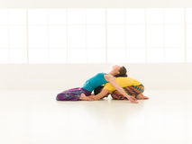 Couleur vibrante de gymnase de yoga Image stock
