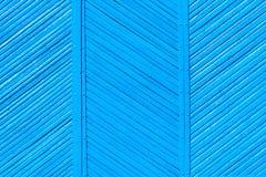 Couleurs bleues de vieille barrière minable en bois, fond photos libres de droits