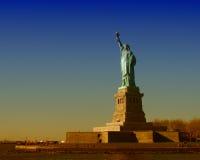 Couleurs d'hiver de statue de la liberté, New York Photographie stock libre de droits