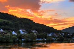 Couleurs de coucher du soleil de la Moselle de rivière Photos stock