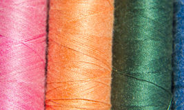 Couleurs de fil de couture Photographie stock libre de droits