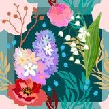 Couleurs de source Écharpe en soie avec les pavots et les jacinthes de floraison Image libre de droits