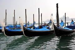 Couleurs de Venise, d'eau et de gondoles images stock