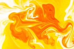 Couleurs, milieux et textures abstraits Colorant alimentaire en lait Image libre de droits