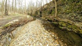 Coulez en traversant des formations de roche - Janesville, WI images libres de droits