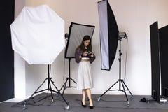 Coulisse het photoshooting in de studio stock afbeelding