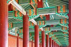 Couloir dans le palais antique coréen photographie stock libre de droits