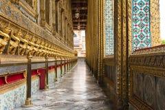 Couloir dans le palais grand Thaïlande Images stock