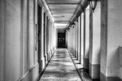 Couloir noir et blanc photo stock image 59935134 - Couloir noir et blanc ...