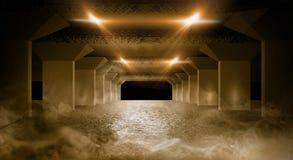 Couloir sombre du garage souterrain photos stock