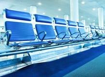 Couloir spacieux bleu contemporain Photos stock