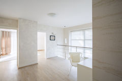 Couloir spacieux et lumineux Image stock