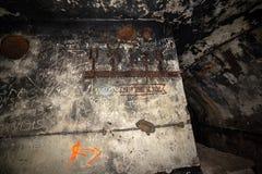 couloirs abandonnés de base soviétique de lancement de fusée de courrier en Lettonie photos stock