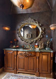 counter elegant vasköverkant för badrum royaltyfri fotografi