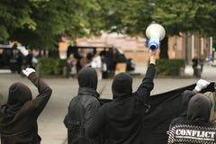 counterdemonstration dei Anti-musulmani fotografia stock